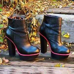 🥀BETSEY JOHNSON Maybill Blk Platform Heel Boots 8